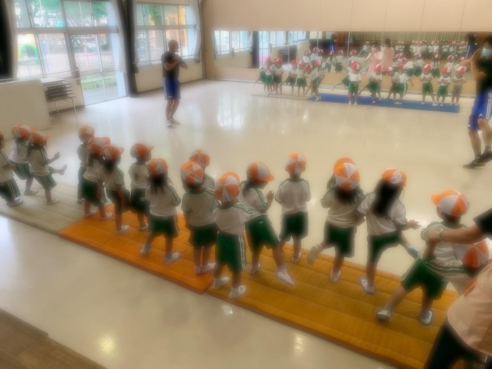 正課の体操指導が始まりました