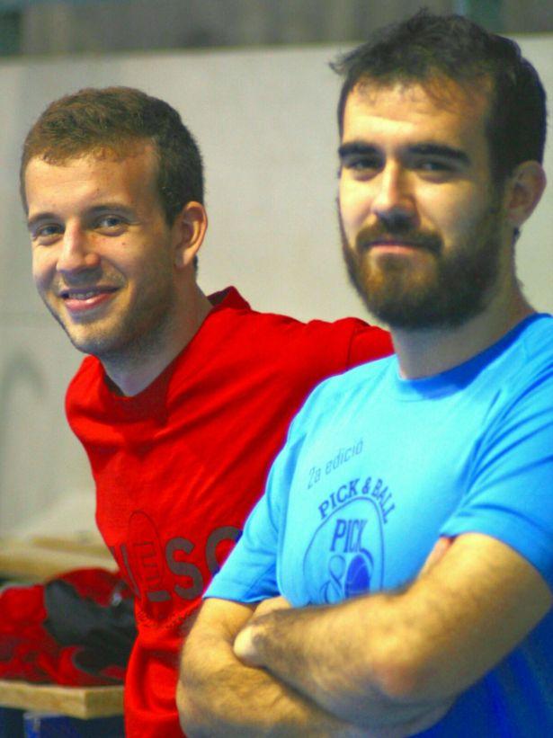 Albert Garcia (de vermell) al costat de l'actual coordinador de l'àrea masculina