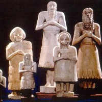 Normal Looking Sumerian Statues compare to reptilian statues 200x200 Ancient Sumerian Anunnaki Gods From the Sky