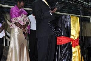 President Prays