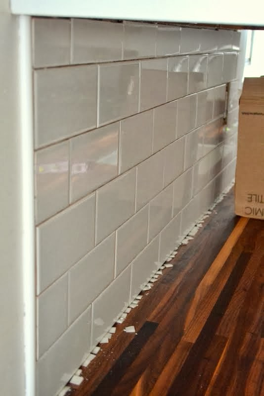 how to tile a backsplash in the kitchen