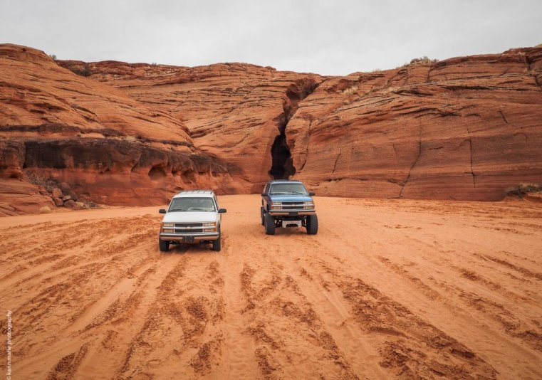 Elevated pickup trucks bring you to the entrance of Upper Antelope Canyon