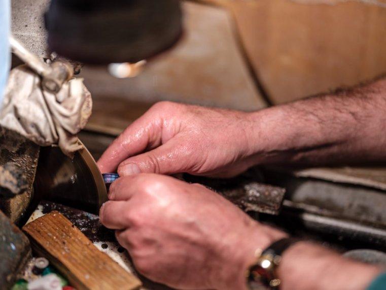 Polishing a murrina