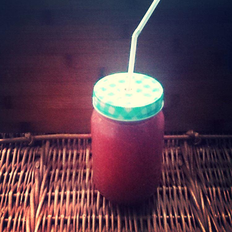 Koktajl arbuz-mięta-chia