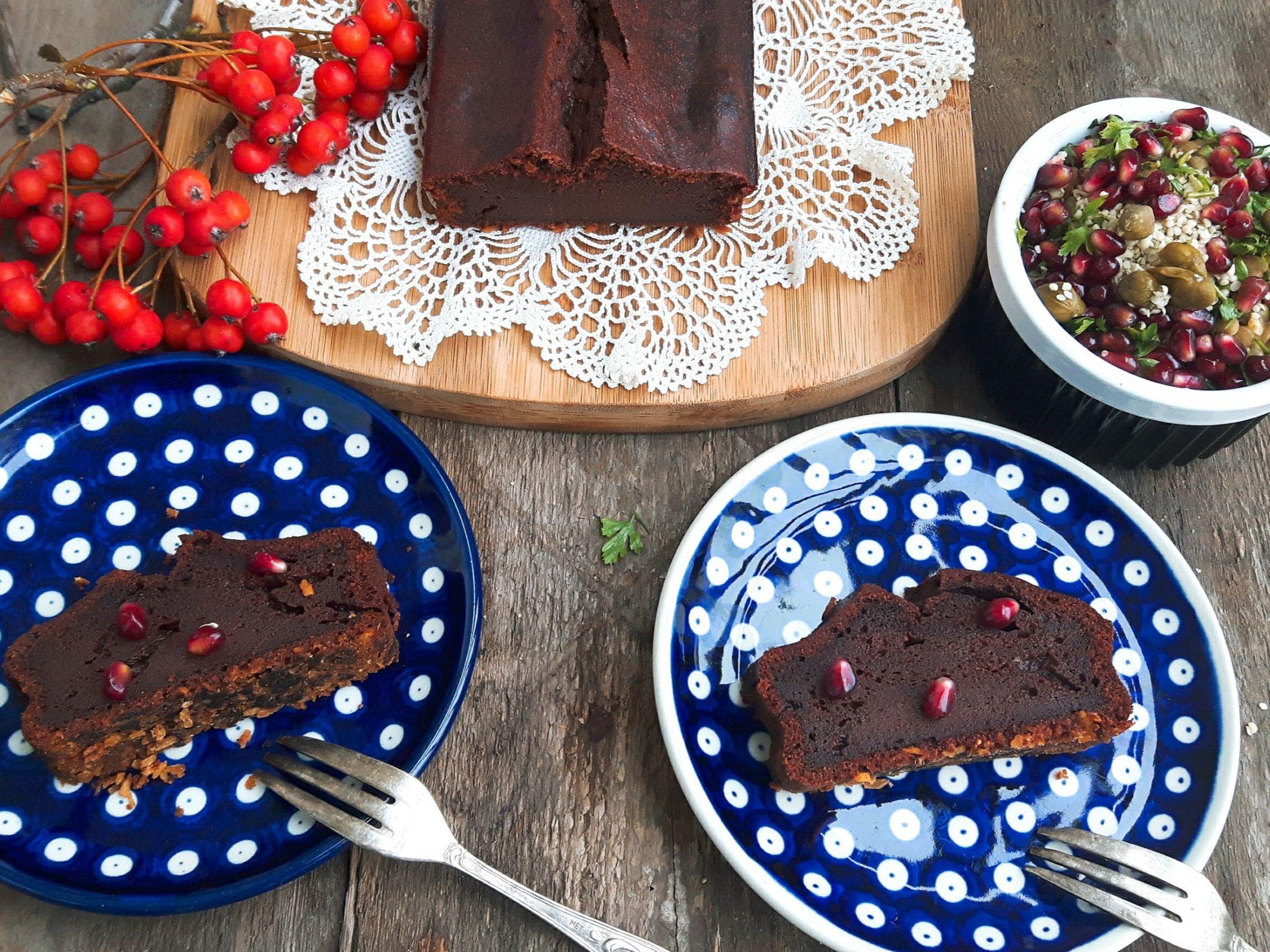 Aksamitne ciasto czekoladowe z pomidorami i chili