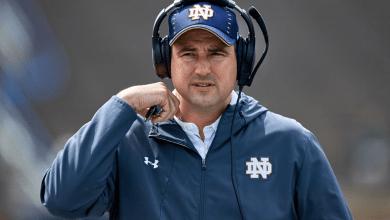 Notre Dame DL coach Mike Elston