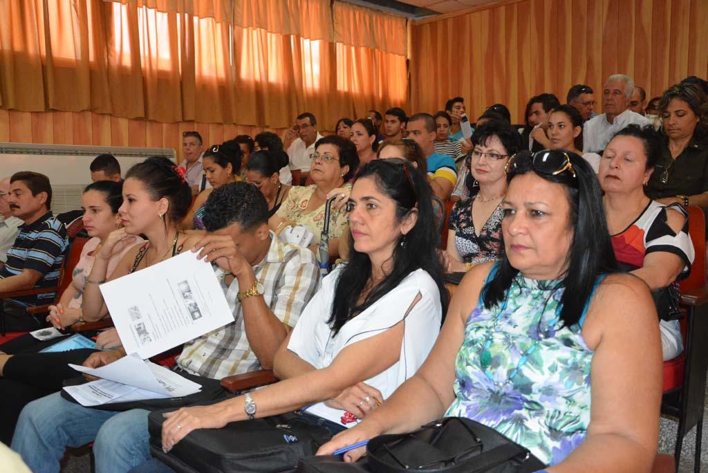Numerosos fueron los participantes asistentes al V Taller Universidad Sociedad.  Desarrollado en la sede Oscar Lucero Moya, el 30 de marzo de 2017-UHO/Foto: Yudith Rojas Tamayo