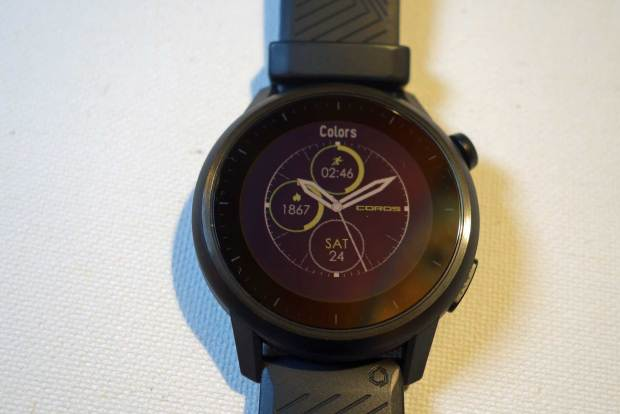 Coros Apex watchface color selector