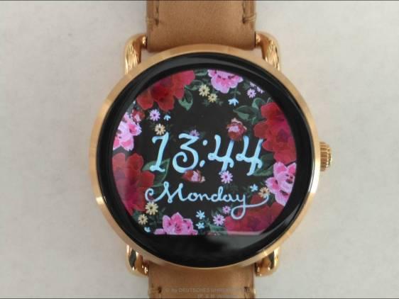 Fossil Q-Wander mit dem femininen Watchface Fiore