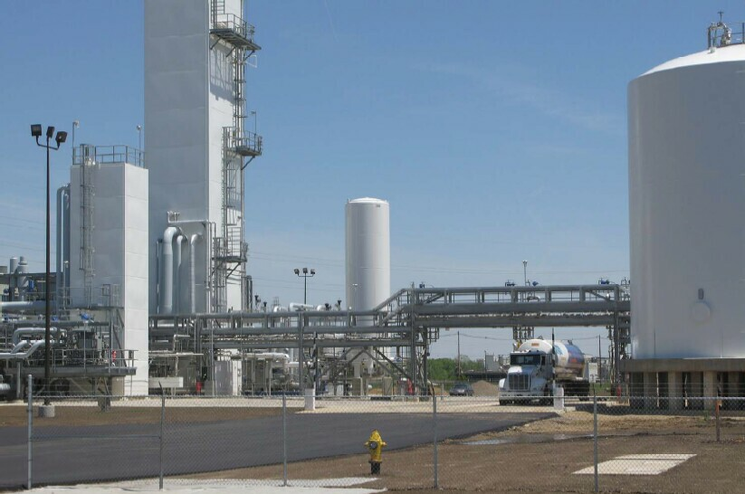 UIG designed and supplied all-new cryogenic air separation plant and liquefier - process and loading areas.