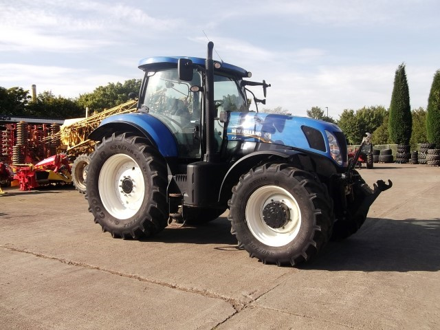 New Holland T7 235 Tractor - UK Plant Traders