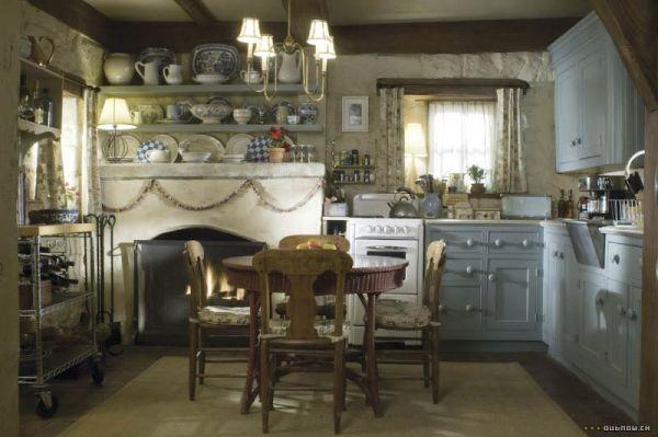 La cuisine de Rosehill cottage dans The Holiday
