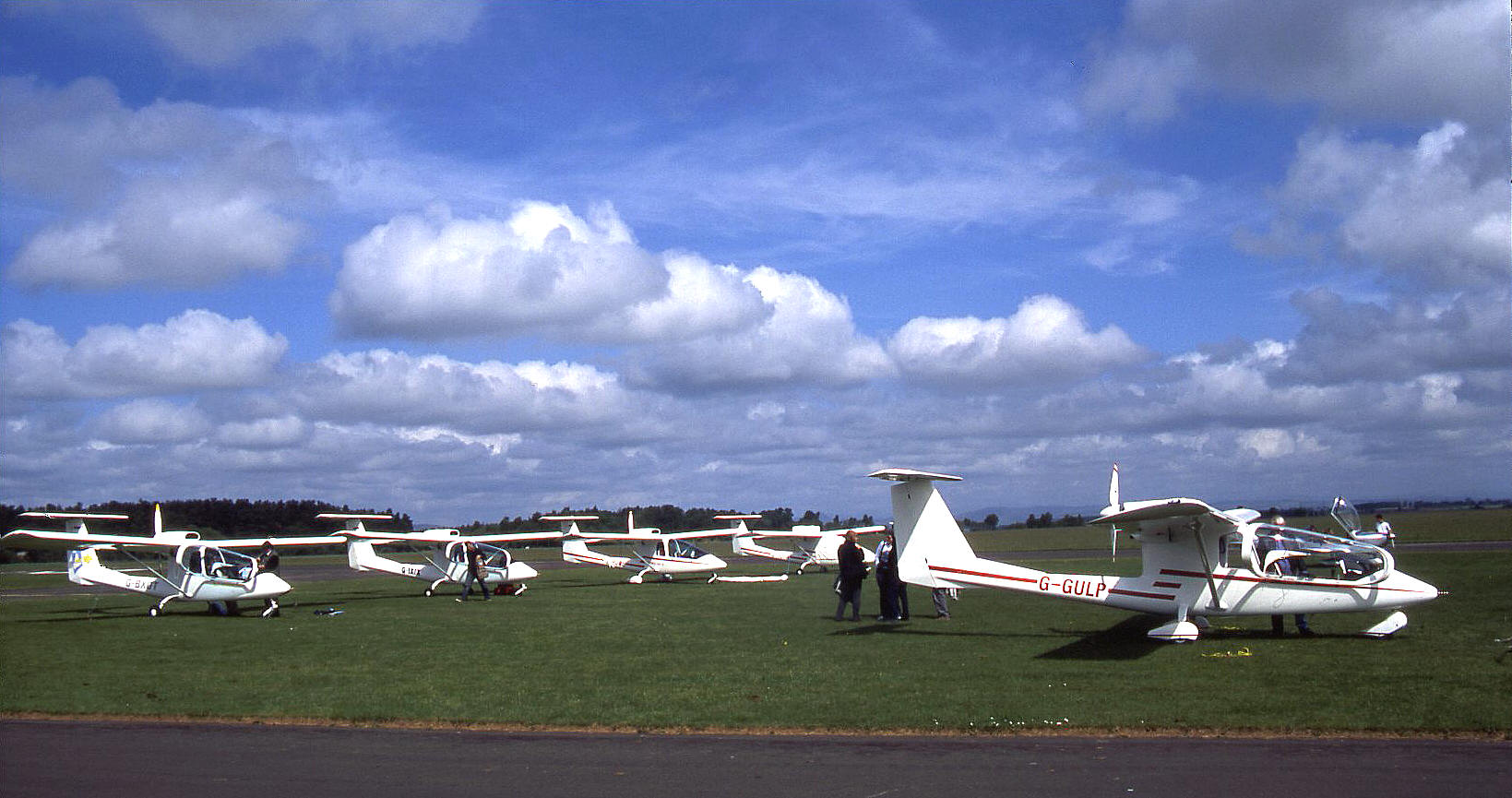 A Flock Of Sky Arrows The Sky Arrow 650t G Gulp In The Foreground