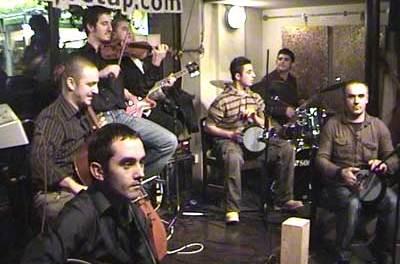 Etno Classic të Prishtinës performojnë në China Town, Londër