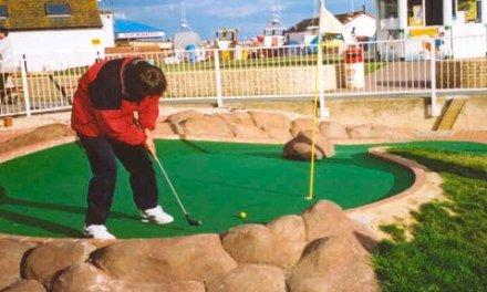 <!--:sq-->Kosova sot garon në Mini Golf në Hasting të Anglisë<!--:-->