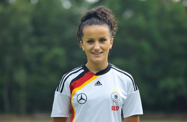 <!--:en-->From refugee to Fifa World Cup champion<!--:-->
