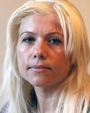 <!--:en-->Former Albanian refugee, Mirela Tara, criticises ESOL courses cuts in London<!--:-->