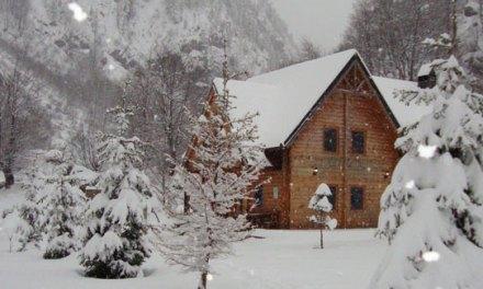 <!--:en-->Skiing in Valbona Valley, Albania<!--:-->