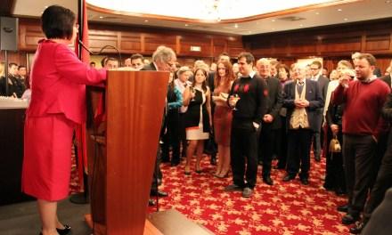 <!--:sq-->Impresione nga festimi i 28 nëntorit në Britani<!--:-->