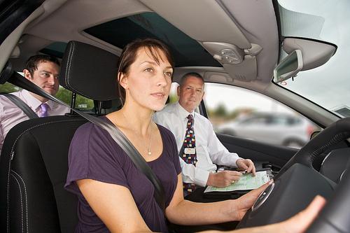 <!--:sq-->Imigrantëve do tu ndalohet që të hyjnë në test të vozitjes në gjuhë të huaja<!--:-->