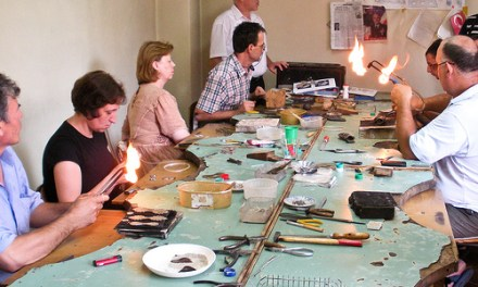 <!--:en-->Kosovo's ancient art of filigree comes tomorrow to Cambridge<!--:--><!--:sq-->Arti i vjetër i filigranit të Kosovës vie nesër në Cambridge<!--:-->