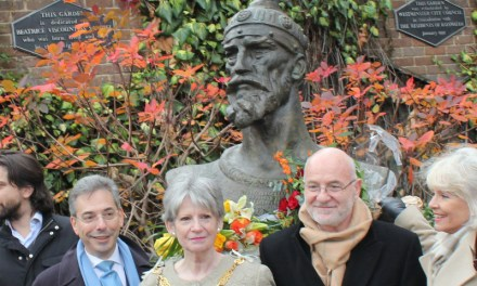 <!--:en-->17 January Skanderbeg Commemoration in London<!--:--><!--:sq--> Homazhe tek monumenti i Skënderbeut, me 17 janar në Londër<!--:-->