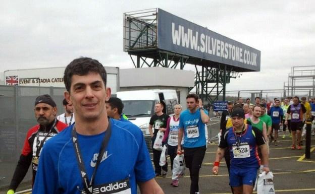 Bekim Bërbatovci vrapon në Gjysmë Maratonin e Silverstone 2013