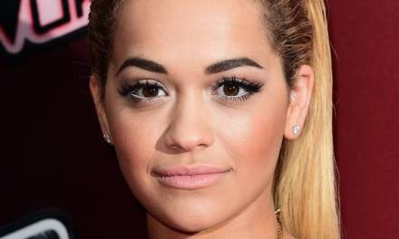 <!--:en-->British-Albanian star, Rita Ora, 'is boosting UK economy'<!--:-->