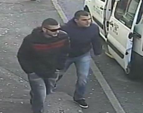 Dyshohet që njeriu i rrëmbyer në Brighton (majtas me syza) të jetë shqiptar