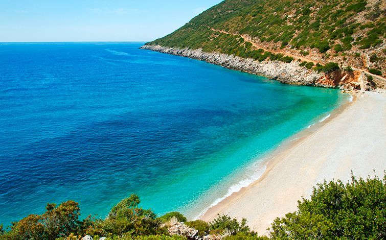 <!--:en-->Albanian Riviera among five hot European travel destinations for Summer 2015<!--:-->