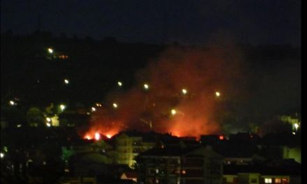 <!--:en-->Albanian houses are burning once again<!--:-->