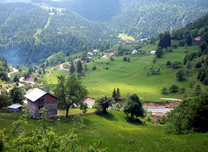 Kosovo, a country where you can experience all the pleasures of a good hike and return to feast on fresh food