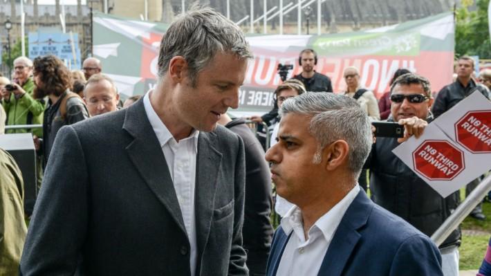 Zac Goldsmith duke folur me  rivalin e tij Sadiq Khan