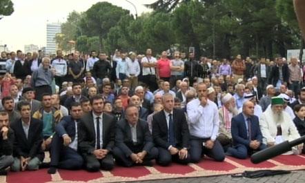 Falja e Kurban Bajramit sot ne Tirane