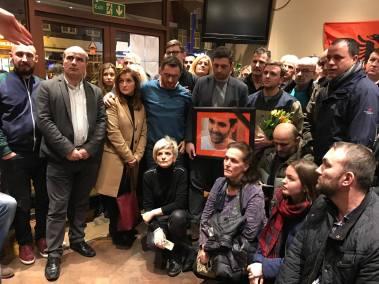 Homazh në Londër më rastin e vdekjes, të aktivistit të Vetëvendosjes, Astrit Deharit.