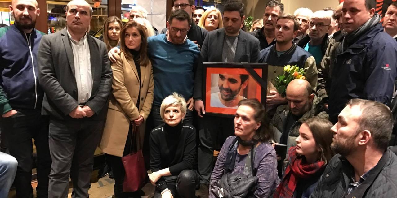 U mbajt homazh për Astrit Deharin në Londër (Foto)