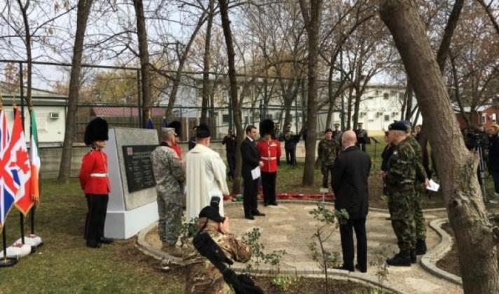 Ambasada e Britanisë në Kosovë sot përkujton dëshmorët britanikë