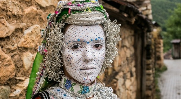 Dailysabah.com: Traditional bridal makeup in Kosovo intrigues tourists, academics