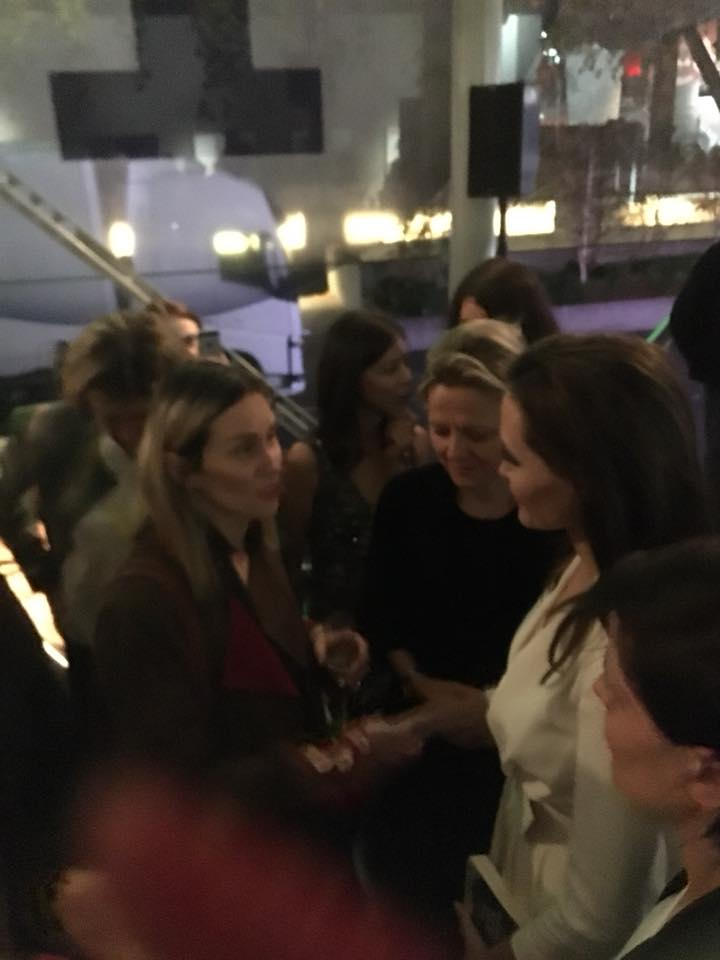 Alketa duke biseduar dje me aktoren e famshme botërore Angelina Jolie ne British Film Institute