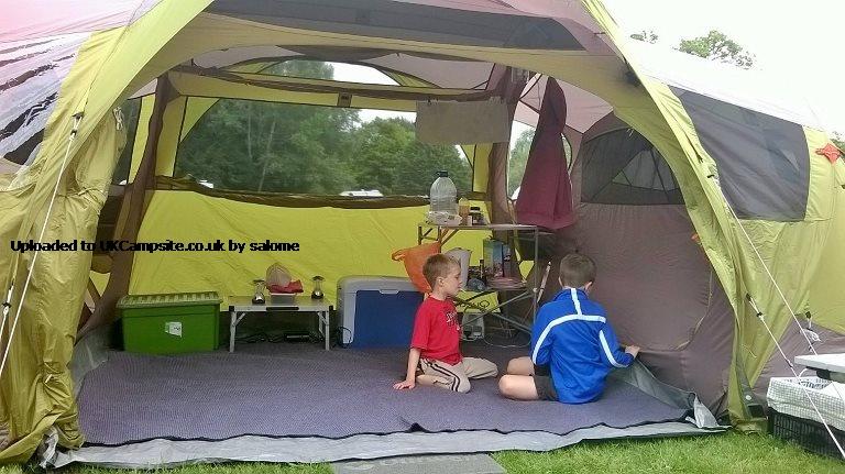 Quechua Seconds Family 42 XL Tent Reviews And Details