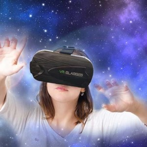 £9.99 for a virtual reality cube headset - use with your smartphone from CN Hut