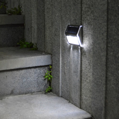 Solar-powered Light With 2LEDs Polycrystalline Solar Panel