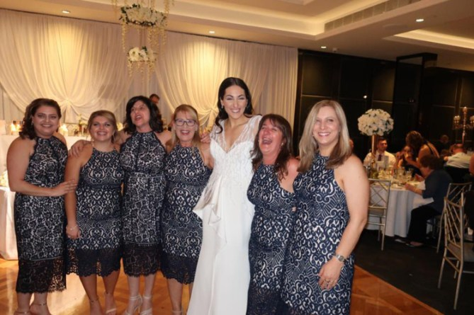 SIX Wedding Guests, One Dress!