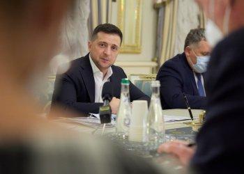 زيلينسكي يلتقي سفراء مجموعة السبع والاتحاد الأوروبي