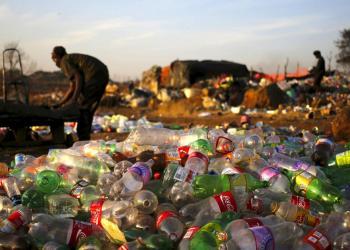 من القمامة إلى الكنز يقوم النيجيريون بتحويل النفايات إلى ثروة