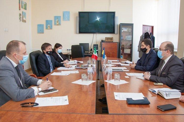 اجتماع لجنة الفضاء الحكومية الاوكرانية مع السفير فوق العادة والمفوض الإيطالي لدى أوكرانيا