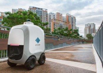 روبوتات البريد السريع في سنغافورة