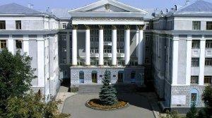 جامعة خاركوف الوطنية للسيارات والطرق