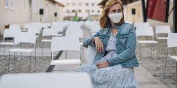سلالة جديدة من فايروس كورونا تصيب الشباب بعمر (12-20)