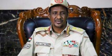 الجنرال محمد حمدان دقلو نائب رئيس المجلس السيادي الحاكم في السودان